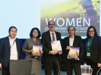 LAUNCH%20OF%20WOMEN%20publication%20at%20Council.jpg